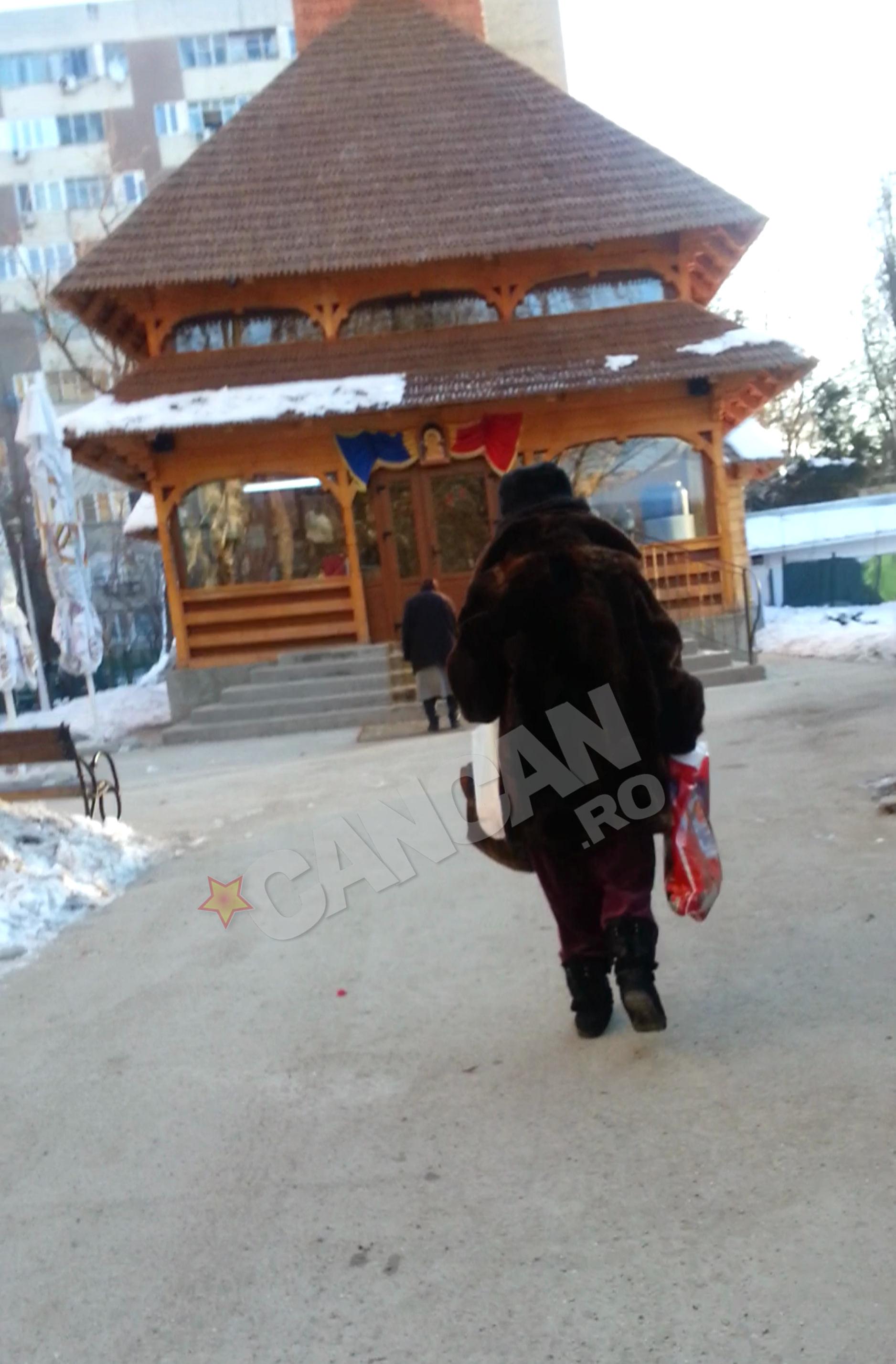 Adriana Iliescu s-a recules, dupa cumparaturi, in bisericuta de cartier