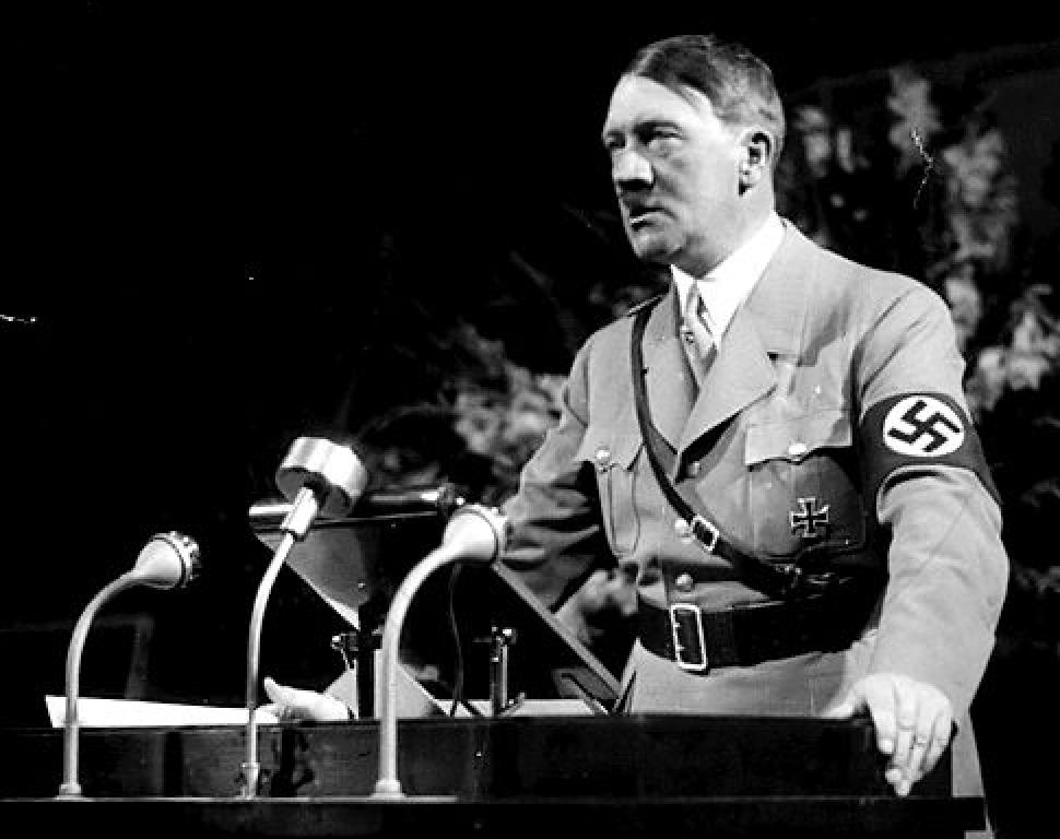 Visurile lui Adolf Hitler au nascut monstri