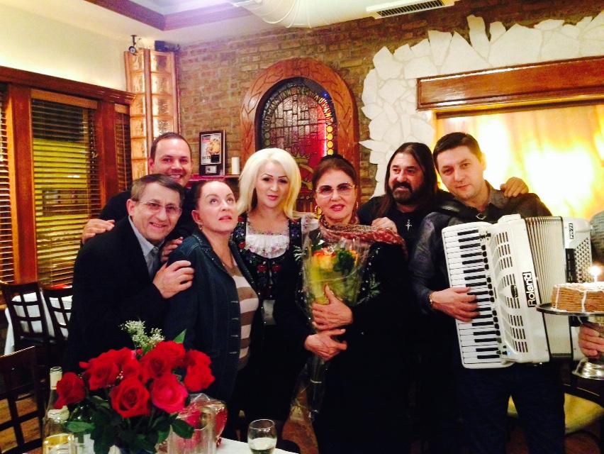 Artista se afla in turneu cu maria Dragomiroiu, Gigi Gheorghiu si Raoul