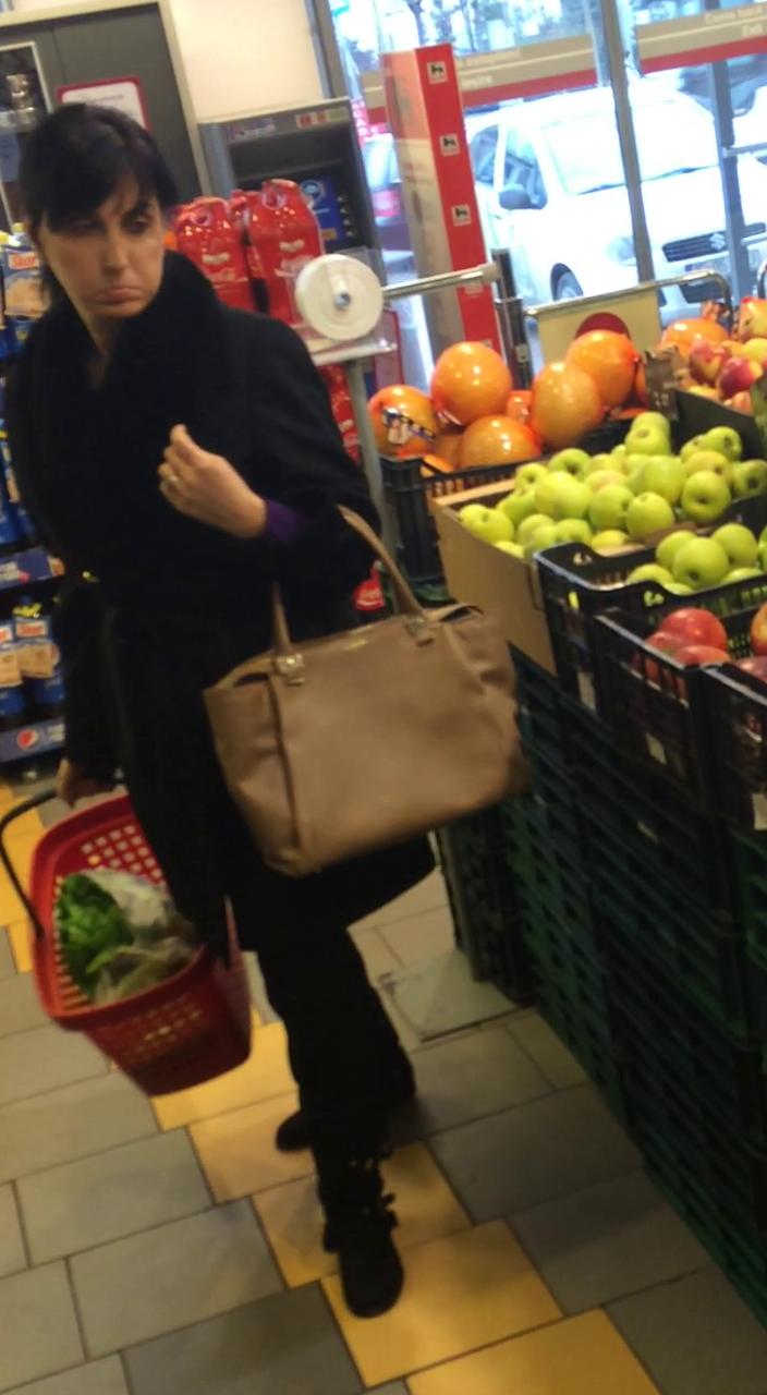 Sotia lui Gigi pe vrema in care sotul ei era inchis