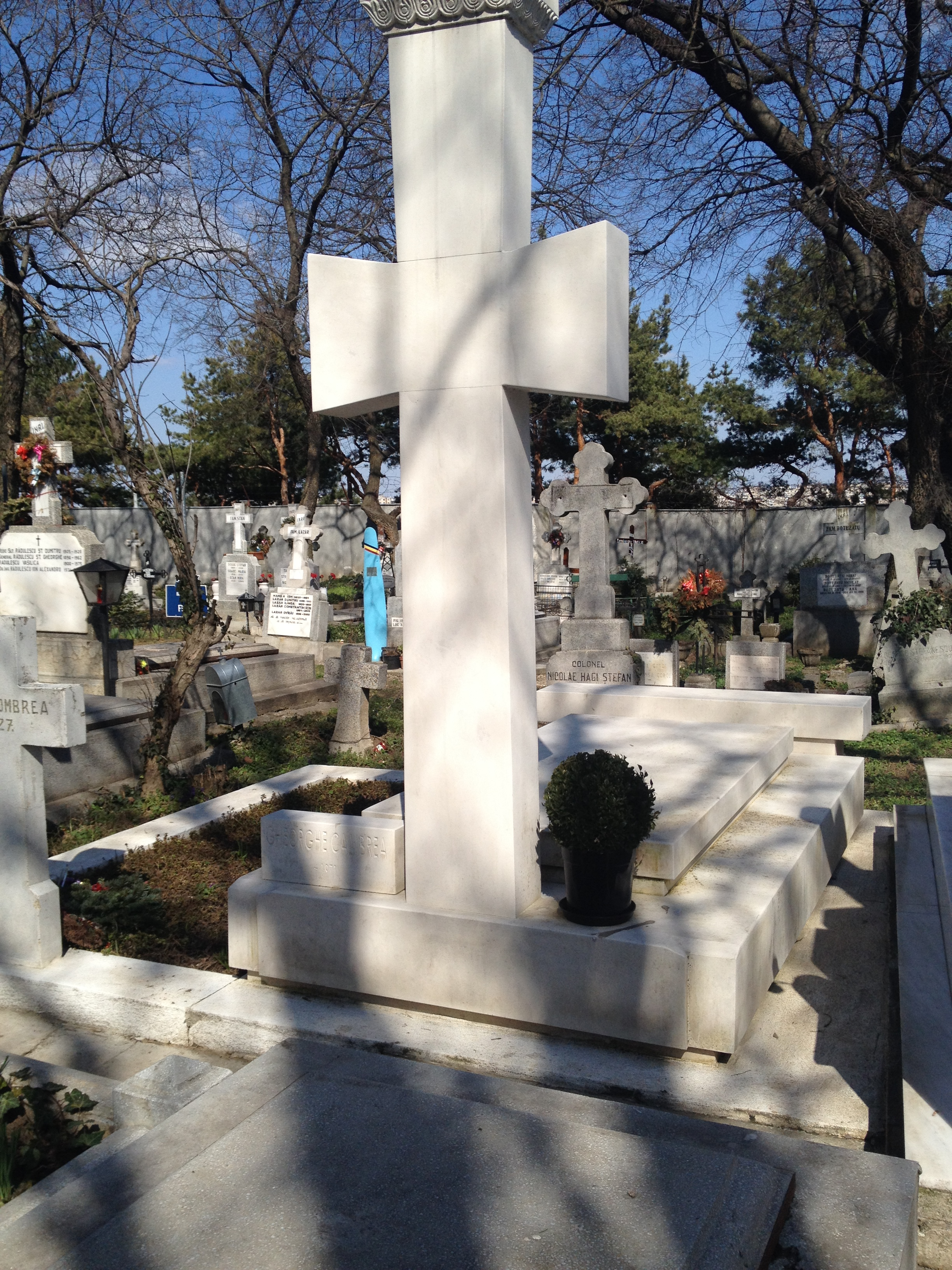 Monumentul funerar ar costa undeva la 10.000 de euro