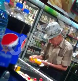 Visinescu a admirat sticlele cu suc natural de portocale
