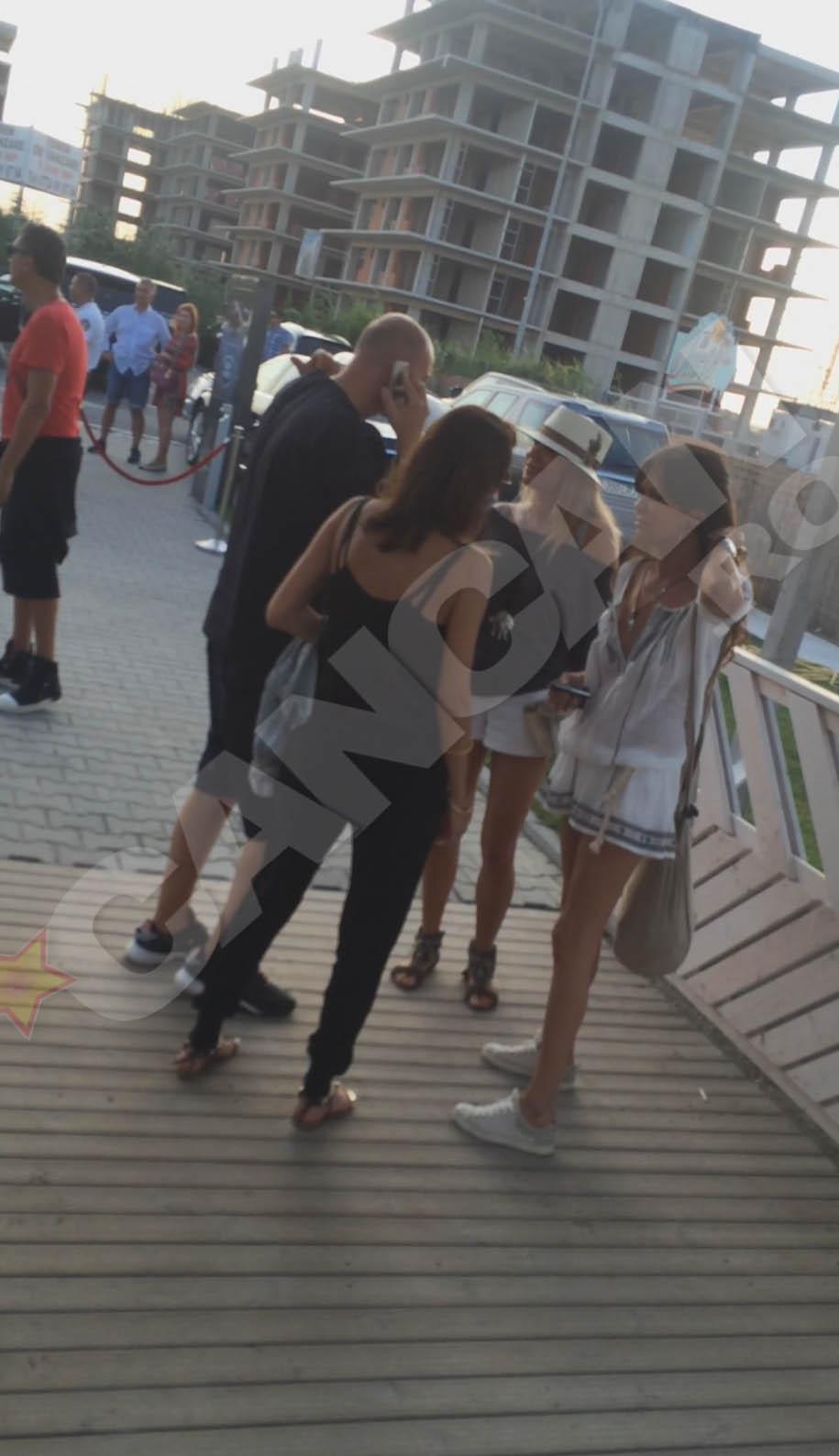 Catalina Popescu si Dana Savuica s-au distrat pana in zori
