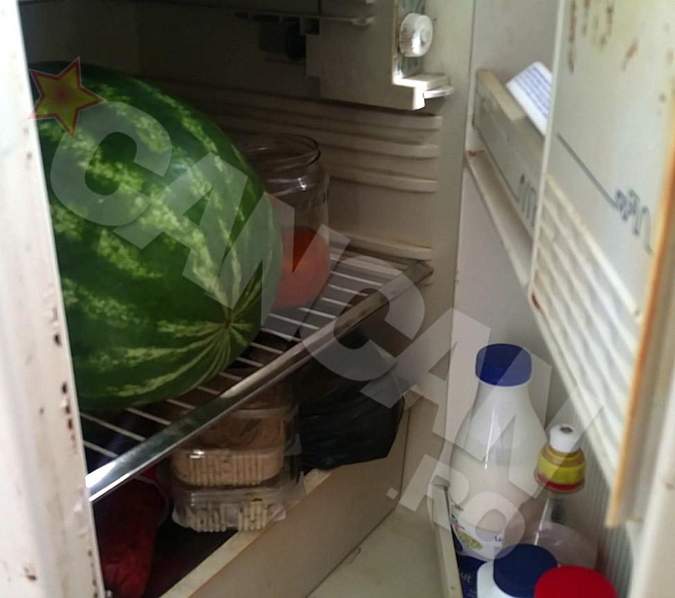 Becali le-a oferit si un frigider cu alimente pentru cateva zile