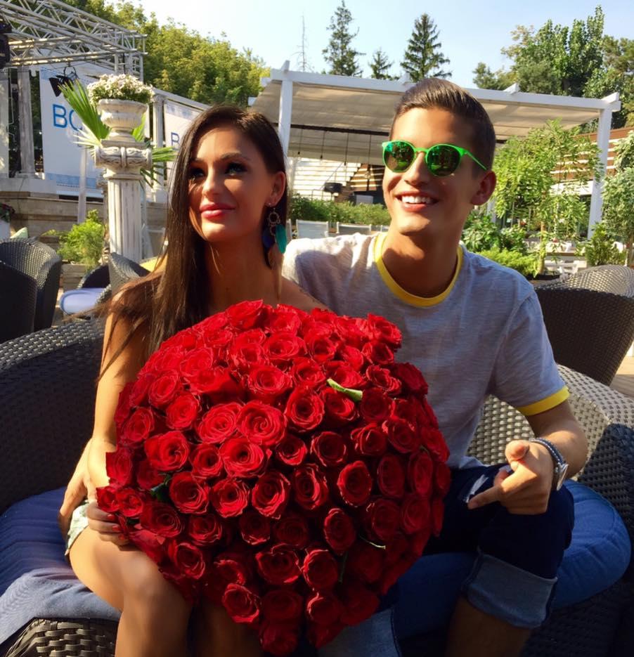 Mihnea Nastase i-a oferit Corinei un buchet cu 101 trandafiri