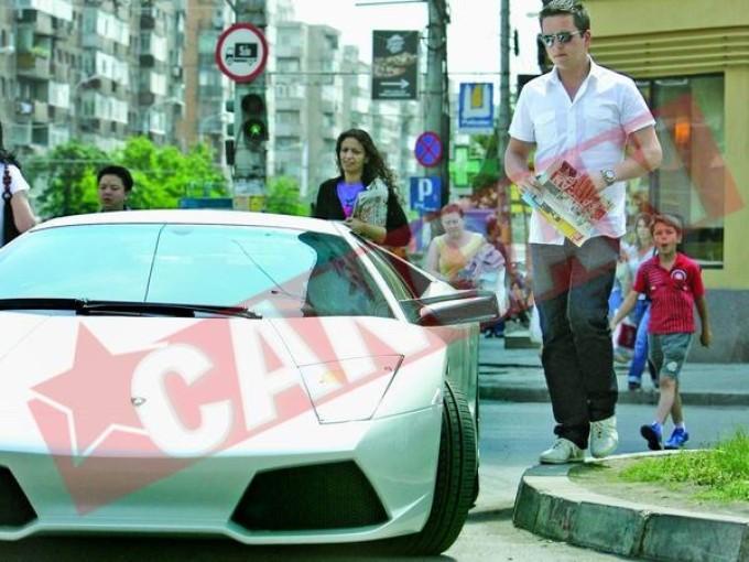 Ceva mai subtirel, in urma cu cativa ani, Casuneanu Jr. facea furori cu un Lamborghini de 200.000 de euro