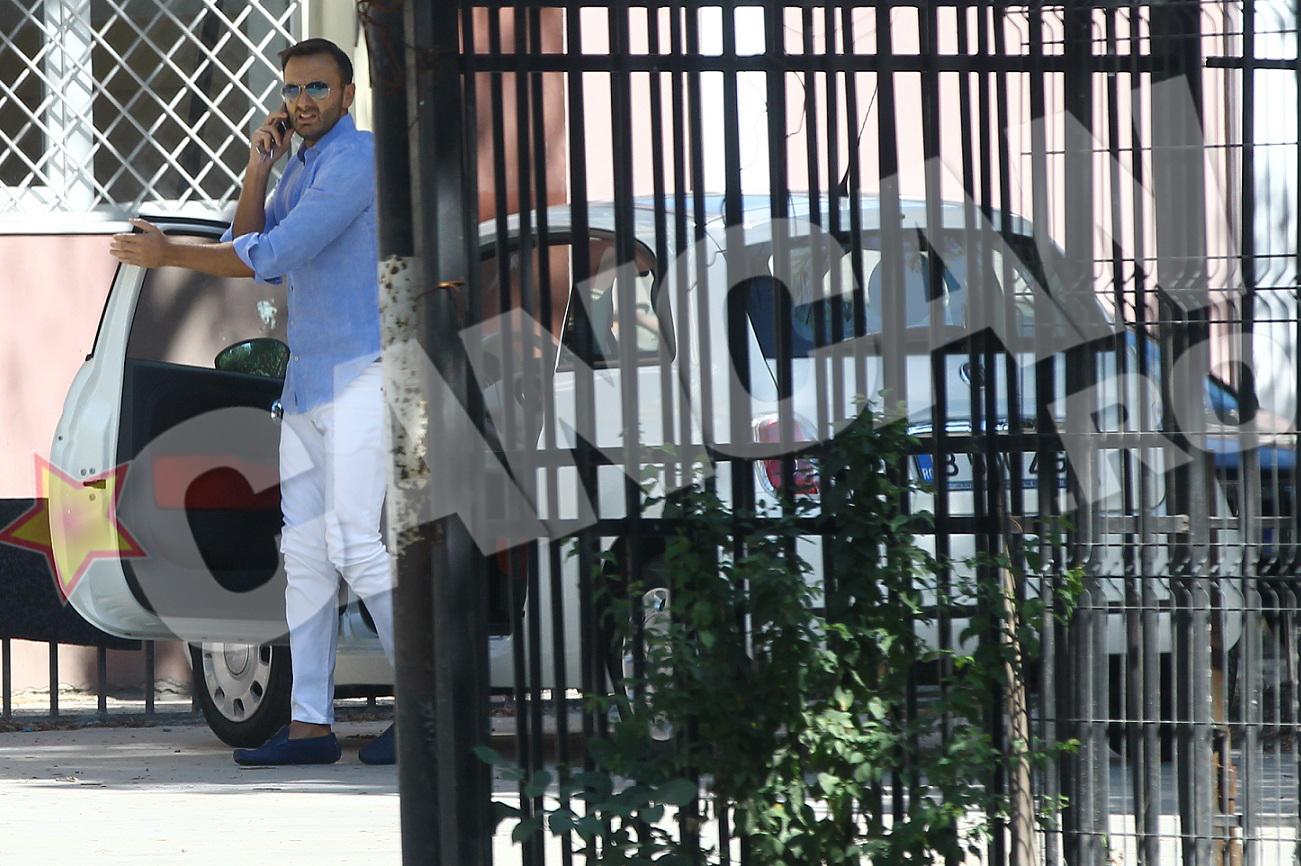 Valentin umbla prin oras cu masina Elenei Udrea