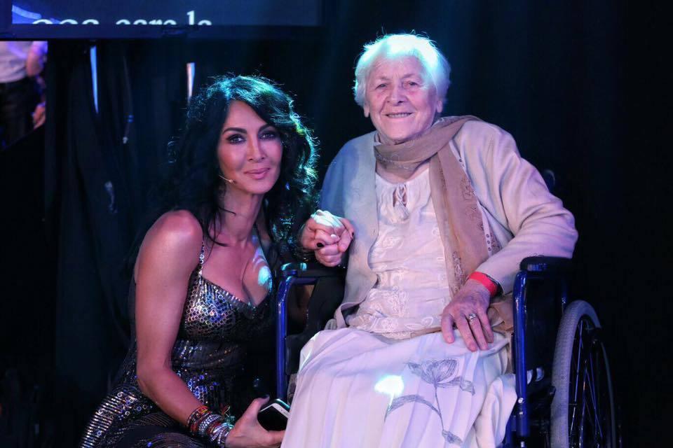 Mihaela Rădulescu i-a transmis un mesaj emoţionant bunicii ei, cu ocazia zilei de naştere.