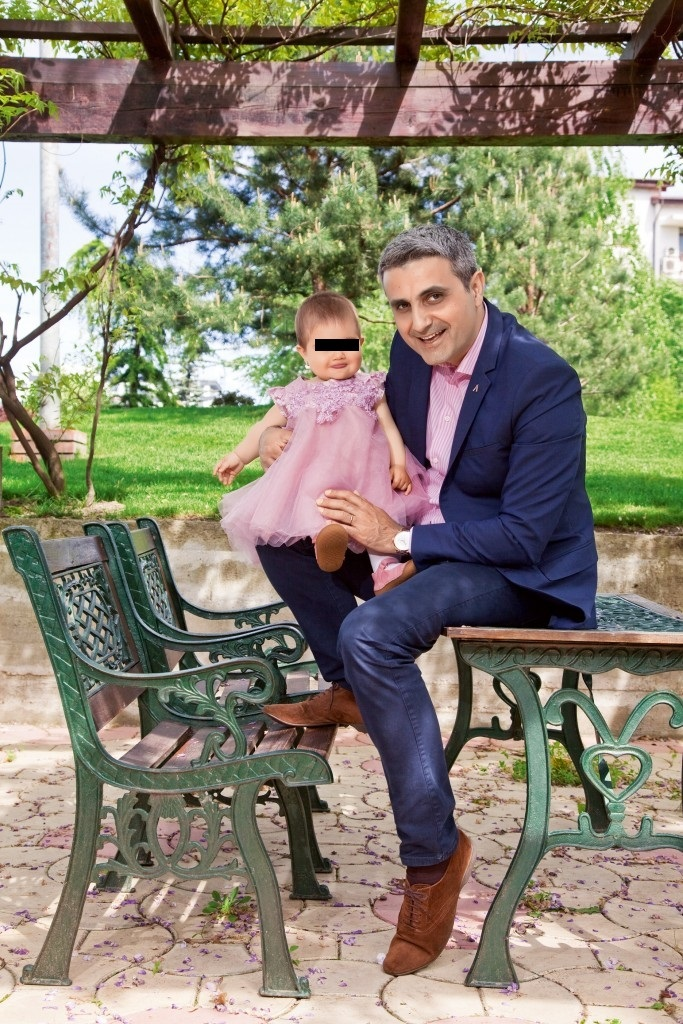 Robert Turcescu, împreună cu fiica lui cea mică
