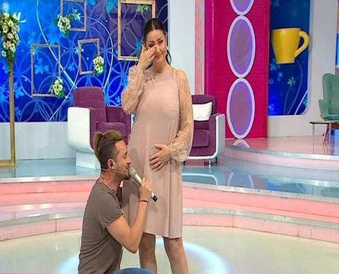 Gabriela Cristea a anunţat oficial că va avea un copil.