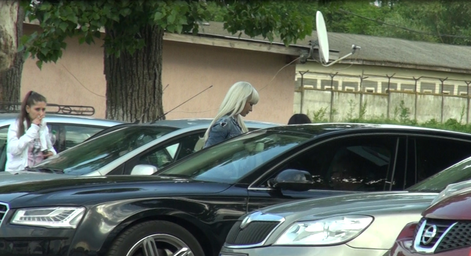 Raluca Miu pleacă de la Jilava cu maşina lui Alin Cocoş