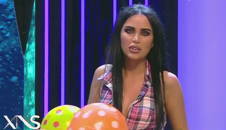 În această seară, Daniela Crudu a revenit în platoul emisiunii lui Capatos, după ce s-a spus că îşi dă demisia