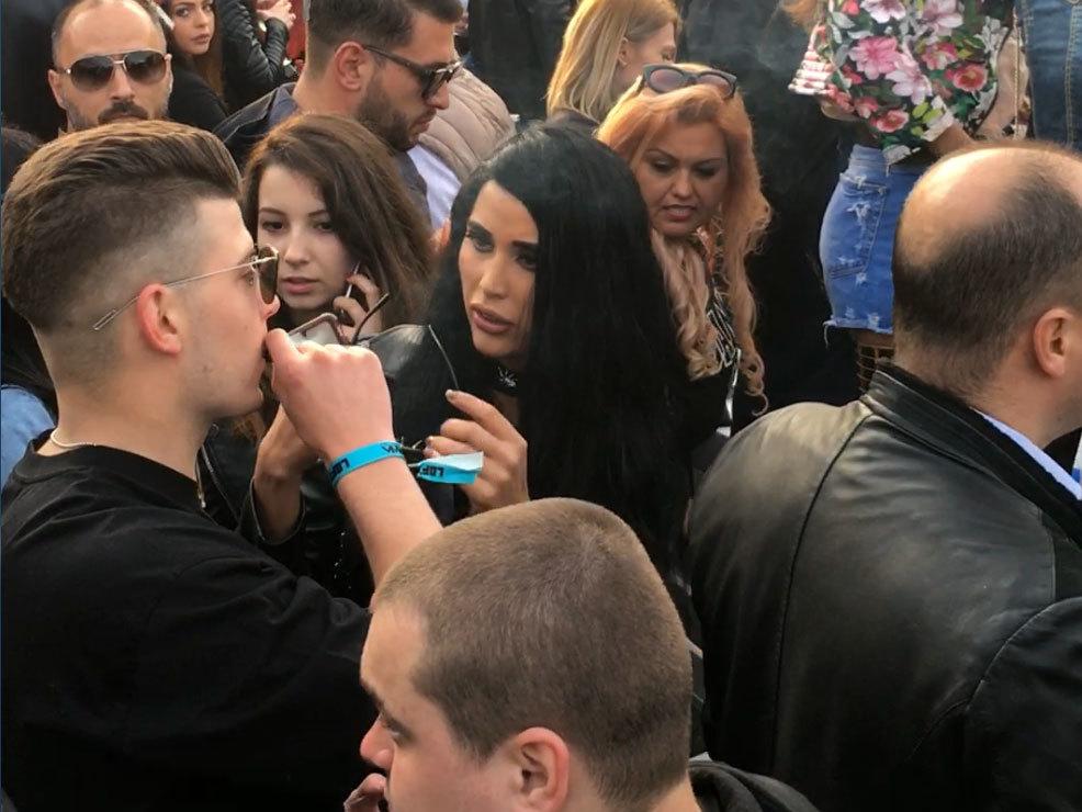 Radu şi Daniela au fost împreună, de curând, la o petrecere