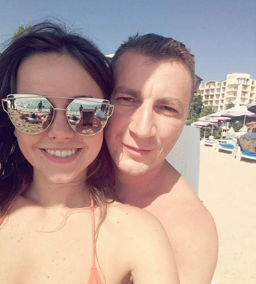 Marian Godină a plecat cu logodnica în concediu.