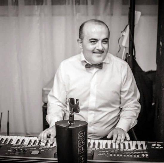 Cristian Drăgan era la rândul cântăreţ, alegând însă partea instrumentală, în timp ce fratele său a ales să devină solist de muzică populară