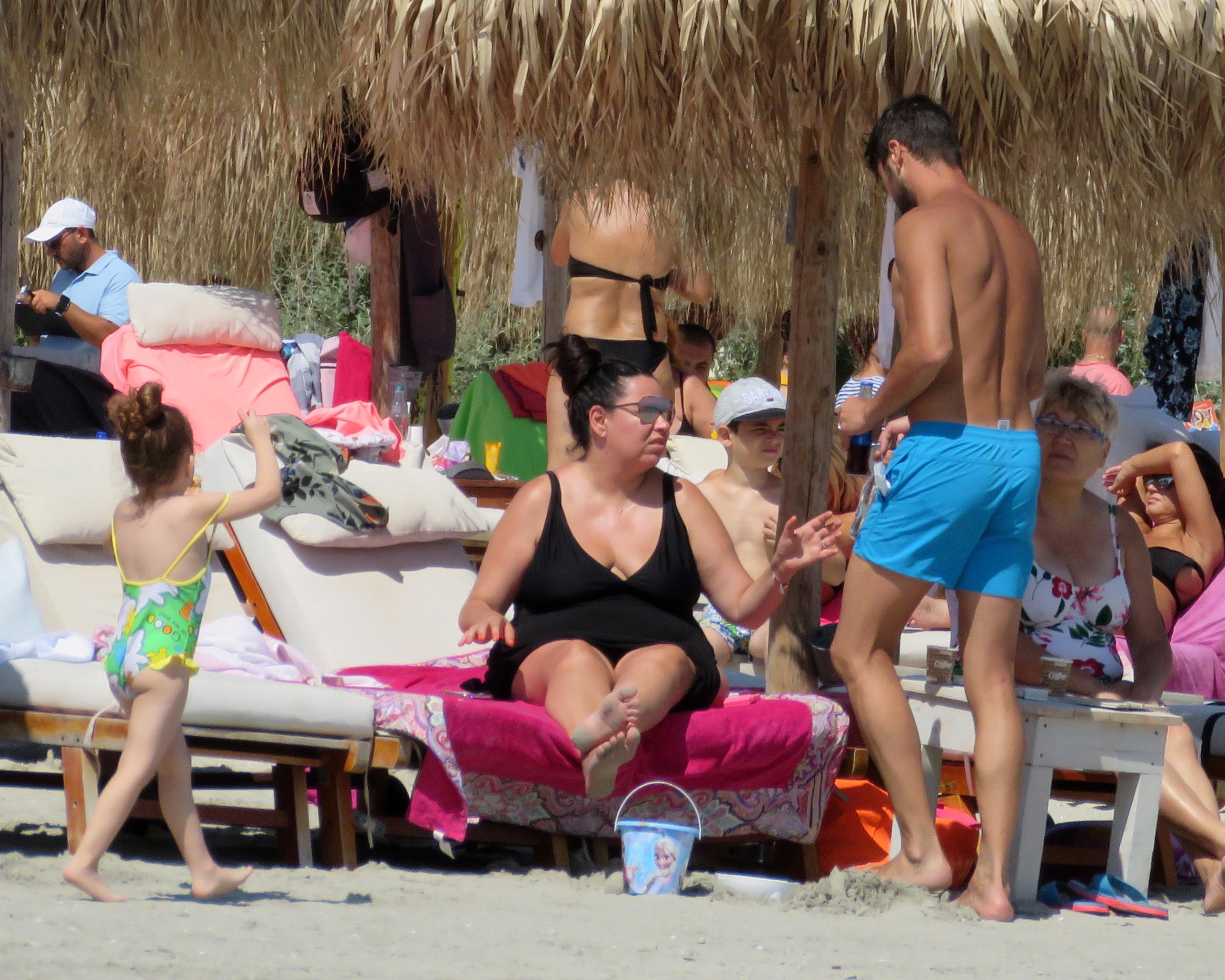 Oana Roman şi familia ei s-au simţit de minune la mare