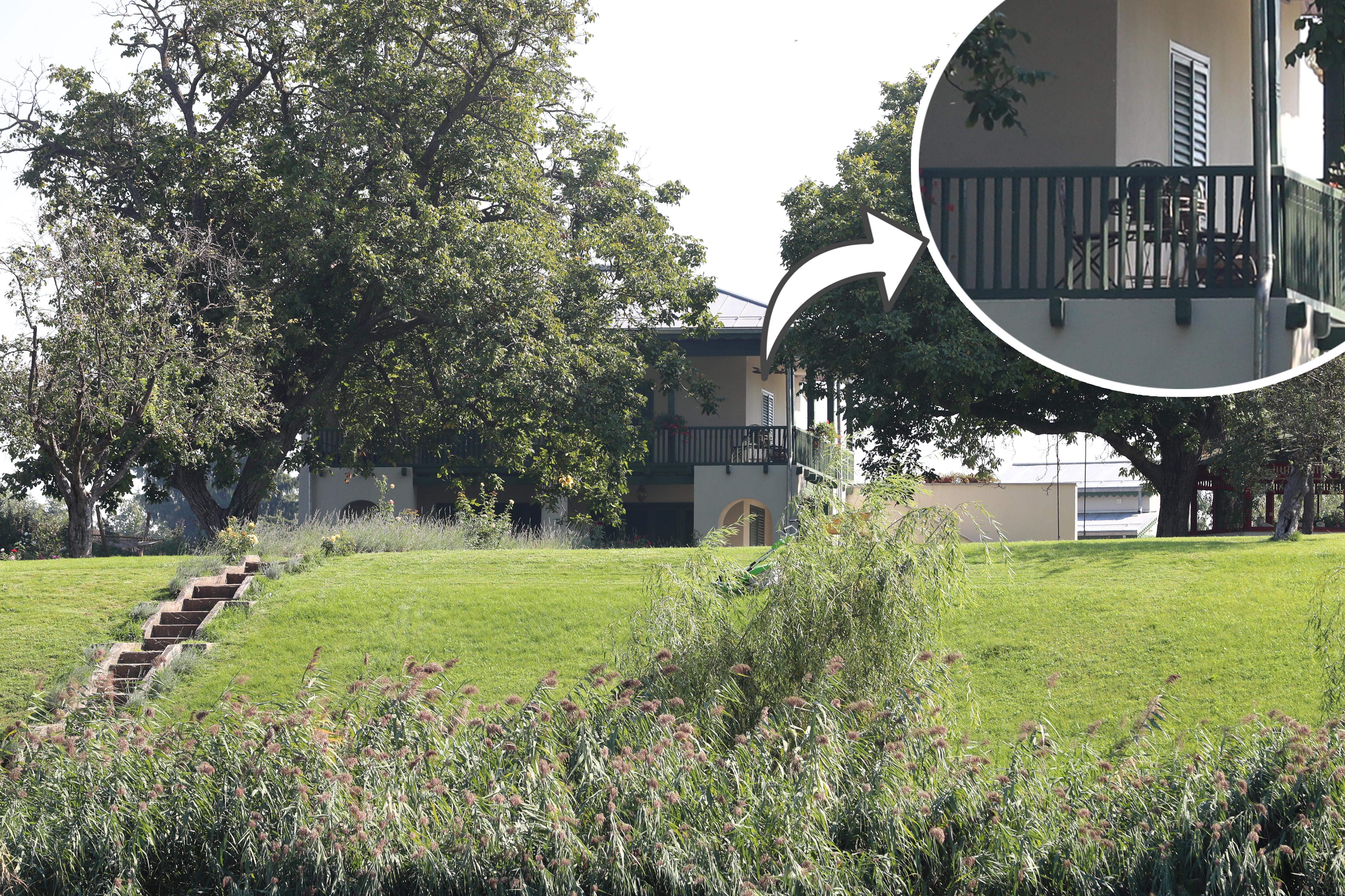Casa de la Snagov care aparţine familiei Stratan este acum pustie, cu obloanele trase, după ce Mădălina a plecat împreună cu fetiţa ei