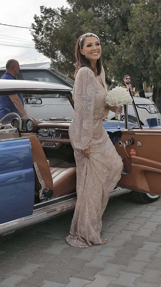 Ilinca Vandici a venit la biserică într-o rochie semnatăd e Răzvan Ciobanu
