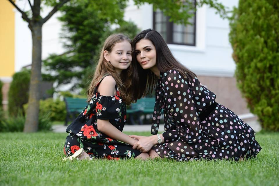 Monica Gabor şi fiica ei au o relaţie foarte bună.