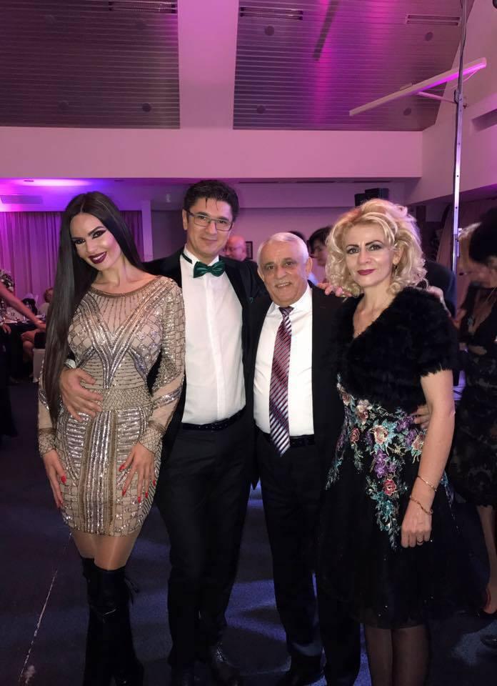 Luis Lazarus, alături de iubita lui, Loulou, şi de Ministrul Agriculturii, Petre Daea, şi soţia lui.