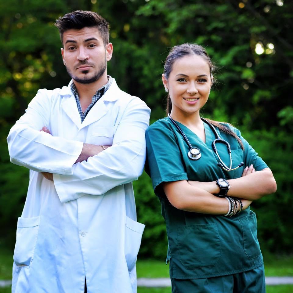 Vladuţa duce traditia familiei mai departe şi este şi medic veterinar