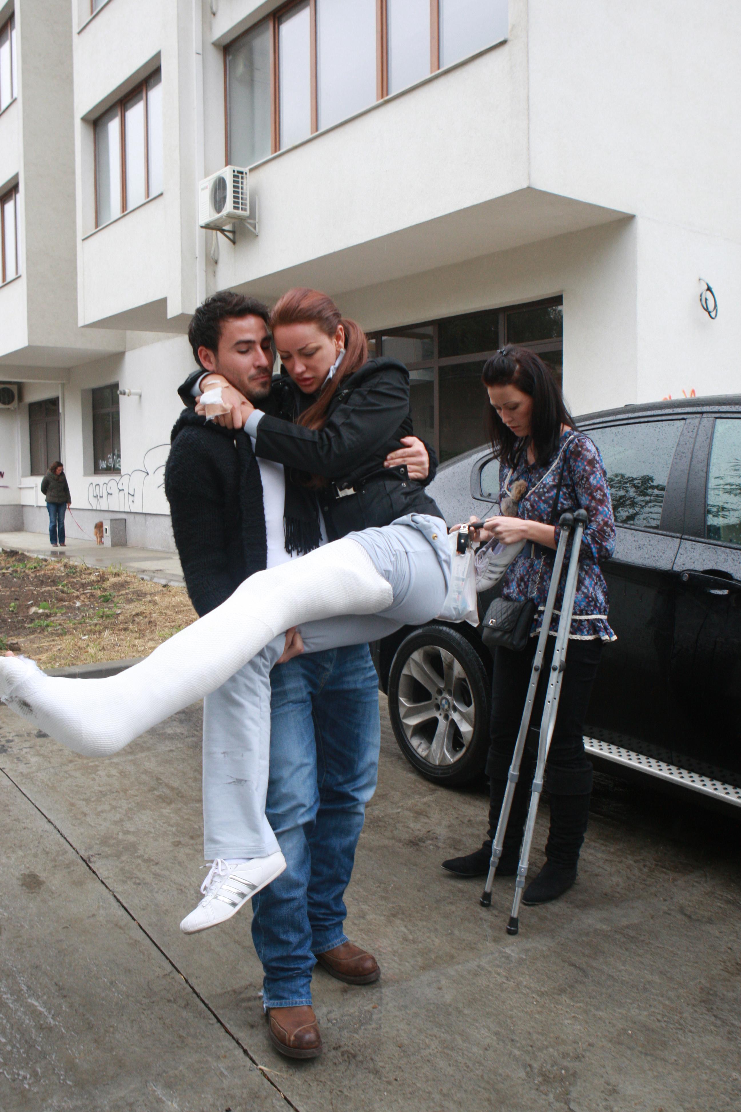 In urma cu fix doi ani, Bianca si-a rupt piciorul in urma unui accident stupid. Alaturi i-a stat Cristea