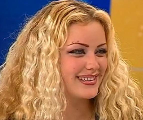 Cu părul vâlvoi, pline de coşuri, cu dinţi cariaţi şi fără silicoane! Cum arătau Crudu, Bianca, Luciu şi Dina la debut
