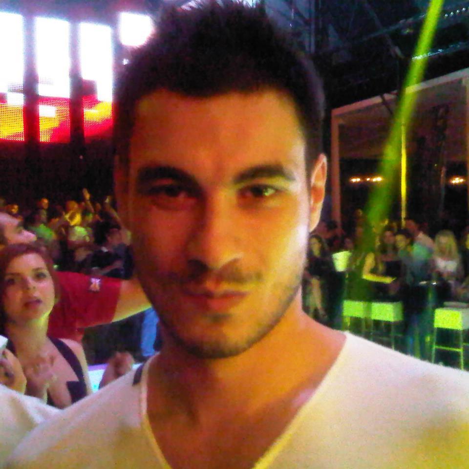 Alex a facut in asa fel incat va pleca la Barcelon cu Gina