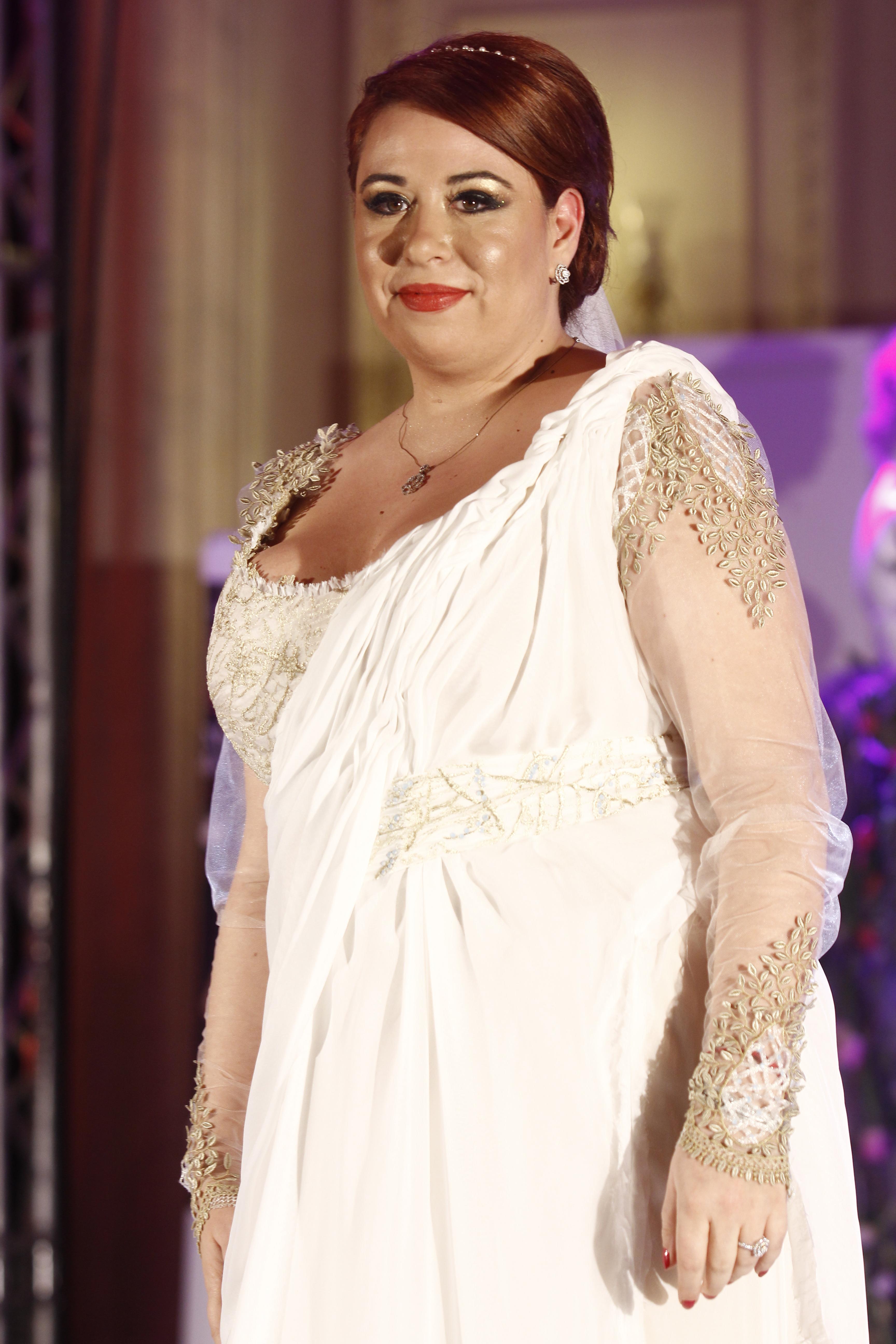 Fiica lui petre Roman a imbracat rochia de mireasa la o prezentare de moda in scop caritabil
