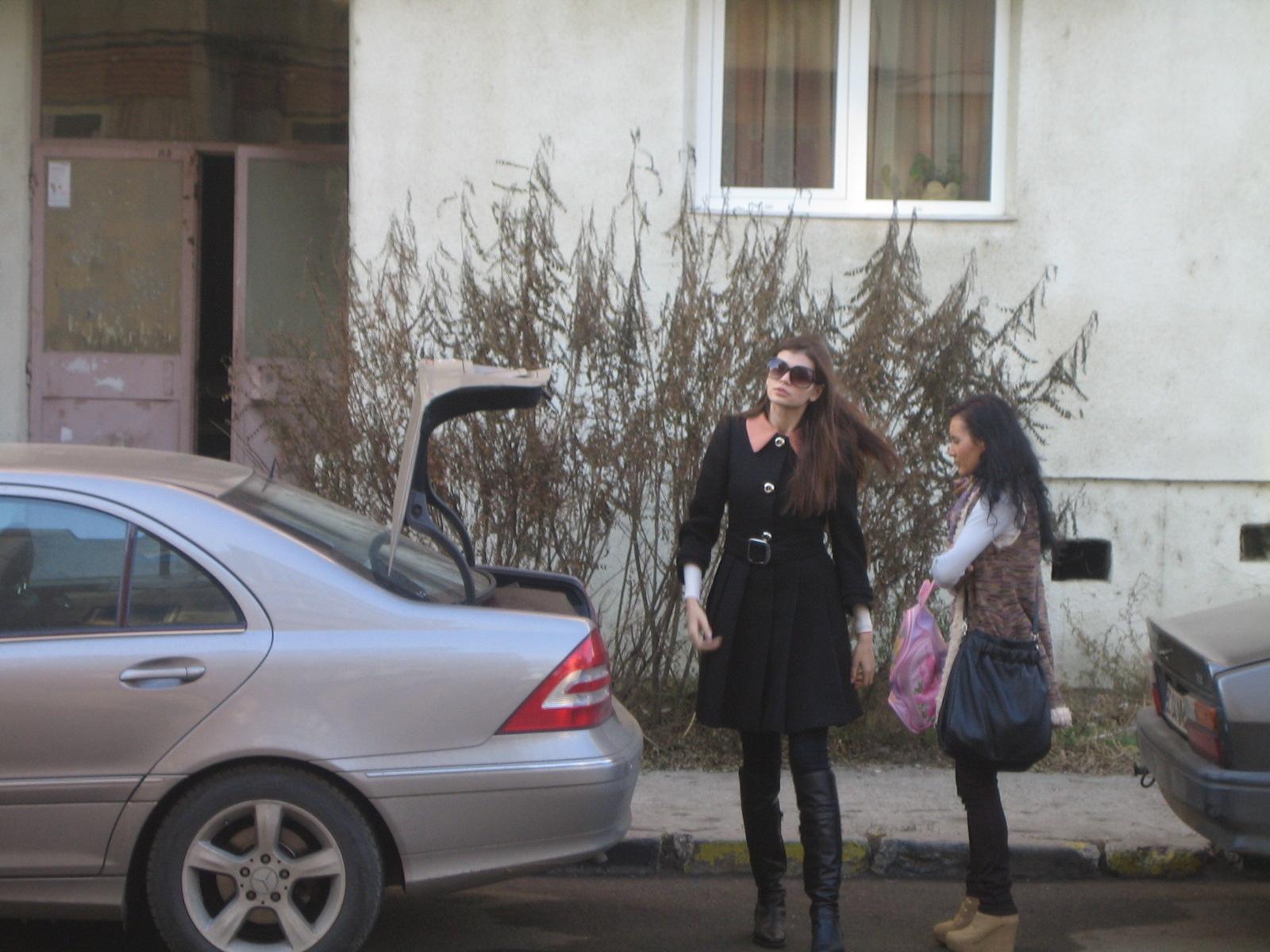 Acestaeste blocul in care Monica Gabor a crescut si unde familia ei a ramas chiar si dupa ce ea s-a mutat la Bucuresti