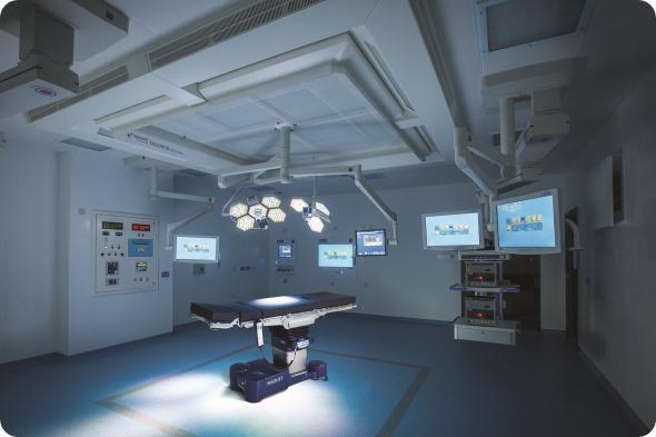 Sălile de operaţie sunt dotate cu aparatură de ultimă generaţie.