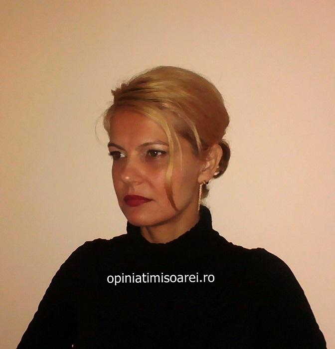 Elena Dunca are patru copii cu patronul firmei de construcţii