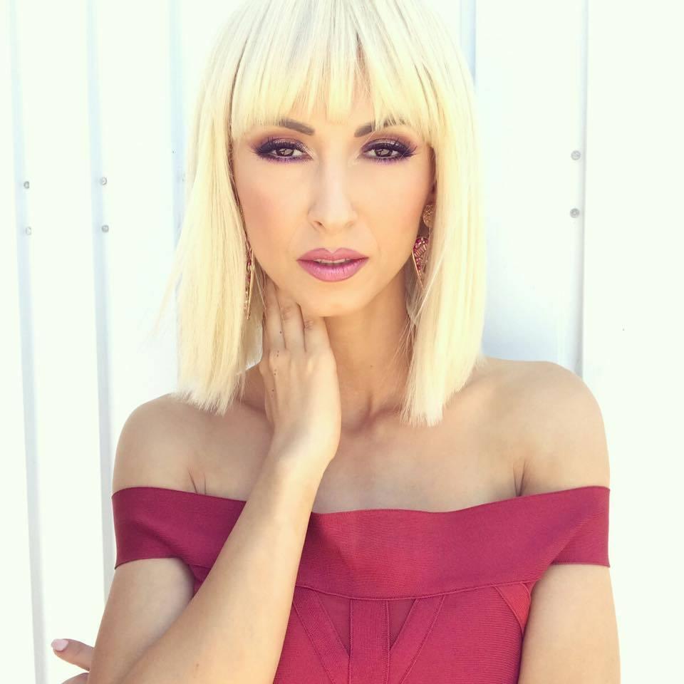Andreea Bălan şi-a schimbat look-ul