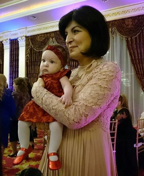 Mama Simonei Halep, împreună cu fetiţa fiului ei