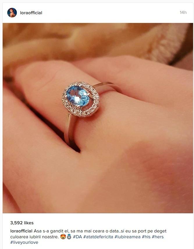 Lora şi-a etalat noul inel de logodnă