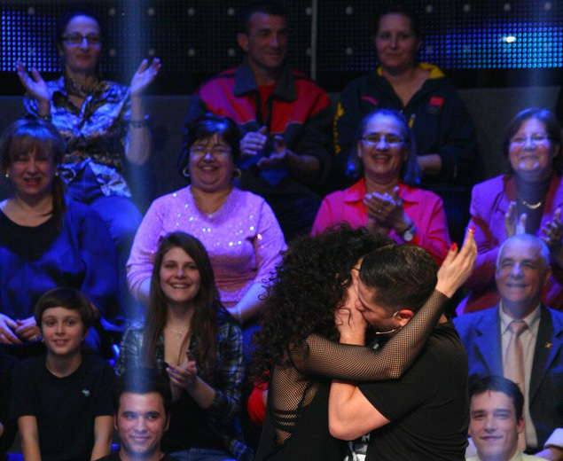 Cei doi s-au sărutat recent în cadrul unei emisiuni TV, în urma unei provocări