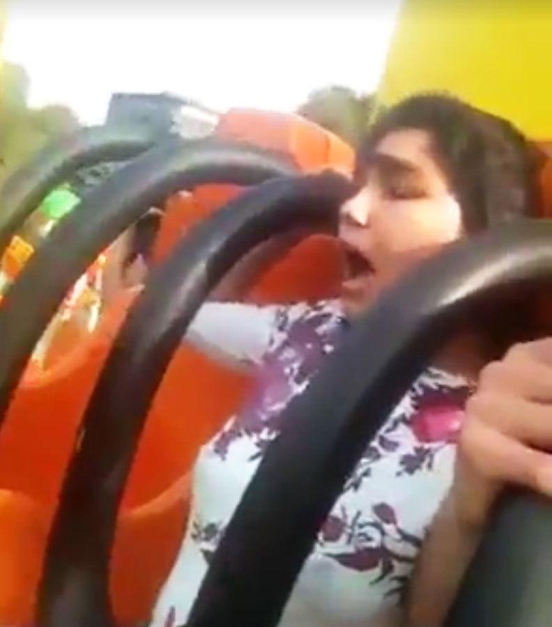"""VIDEO FABULOS  cu un băiat şi o fată în parcul de distracţii  """"Să moară Geanina mă p… pe mine. Imi vine rău!"""""""