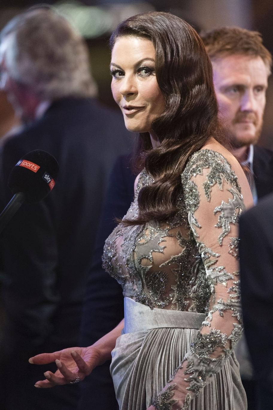 """Actrița Catherine Zeta-Jones, impresionată de Castelul Peleș: """"Dacă aș fi o prințesă, aici mi-aș dori să locuiesc"""""""