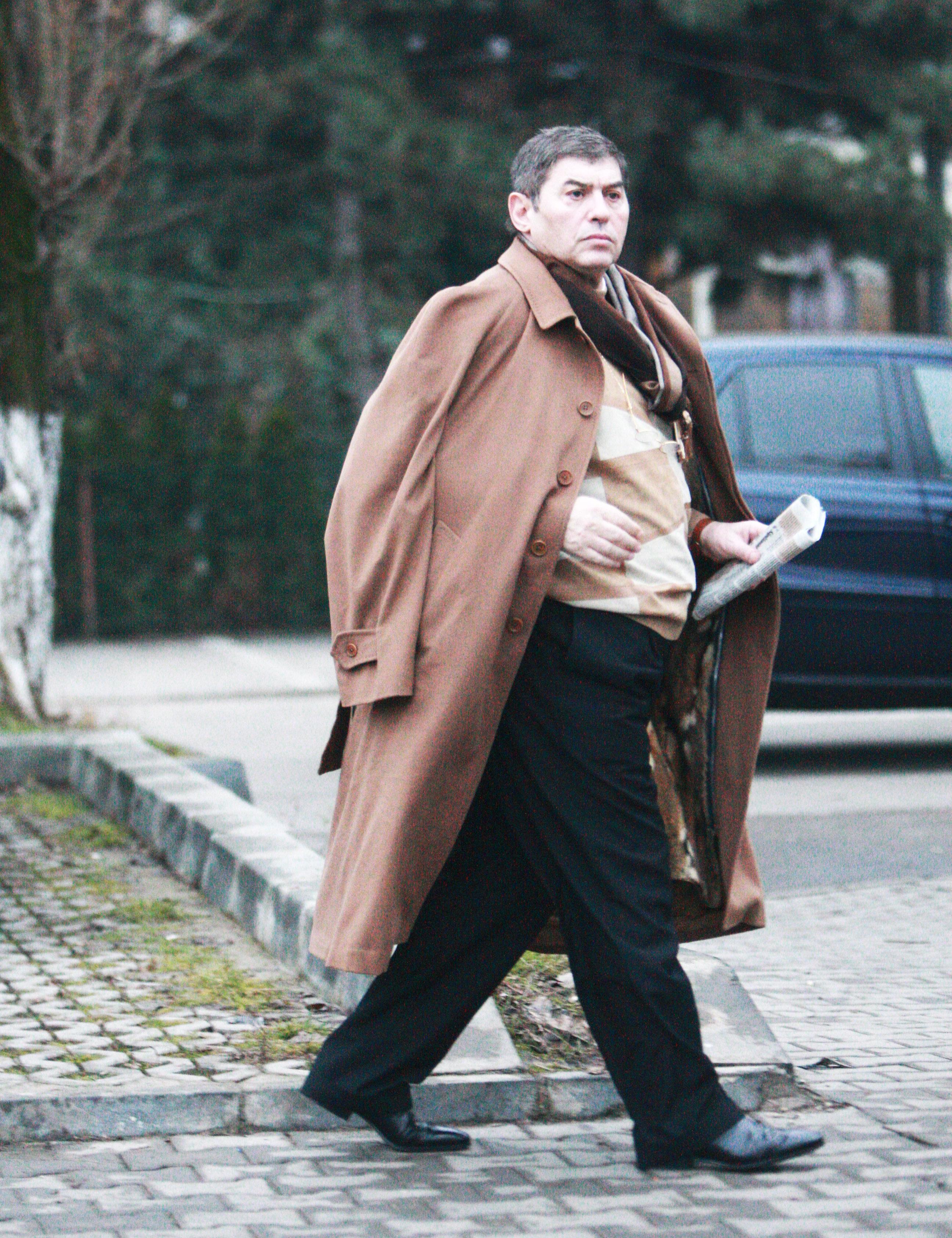 Mihail Vlasov împrumuta sume fabuloase de la cămătari