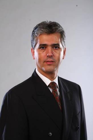 Politicianul milionar Eduard Manole a fost dat în judecată pentru divorț chiar în Joia Mare.