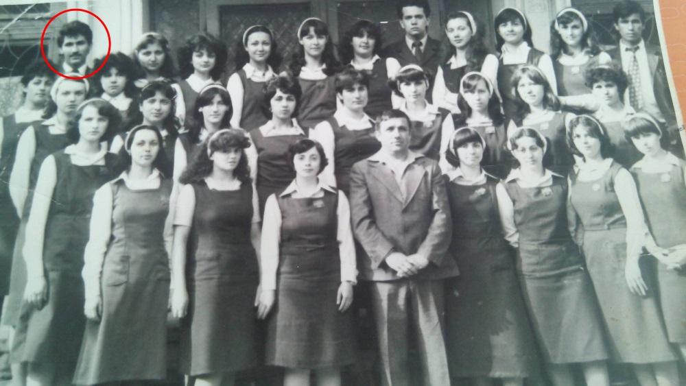 Hanibal Dumitrașcu, în tinerețe, la Liceul Pedagogic, secția filologie - istorie, promoția 1982