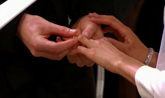 Harry i-a pus pe deget lui Meghan verigheta din aur galez