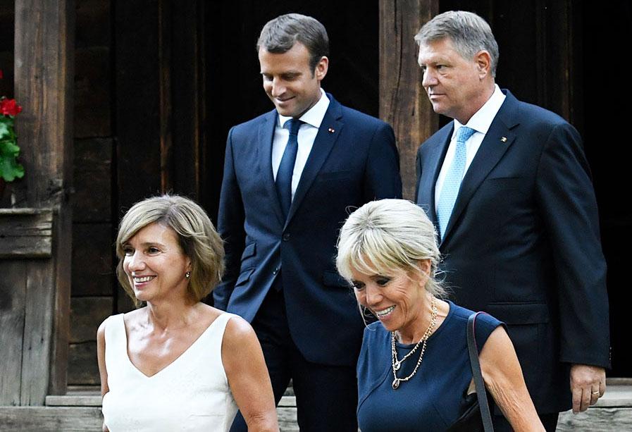 Da, e chiar ea! Cum arată prima doamnă a Franței în costum de baie, la 64 de ani!