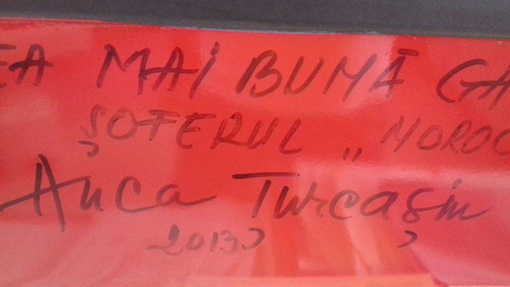 Anca Țurcașiu și-a lăsat autograful la recepția pensiunii