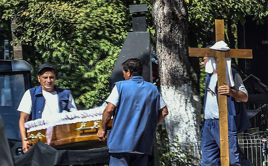 Tragedia din showbiz care a socat Romania! Imagini de la inmormantarea de azi! EXCLUSIV