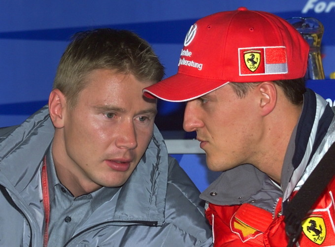 Michael, alături de Mika Hakkinen