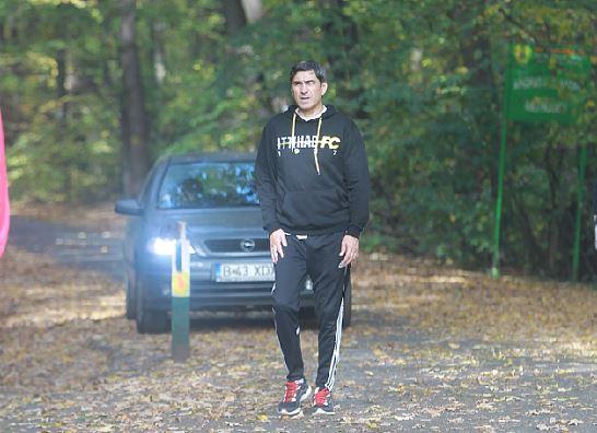 Victor Pițurcă a alergat, în pădure, în echipamentul lu Al Ittihad