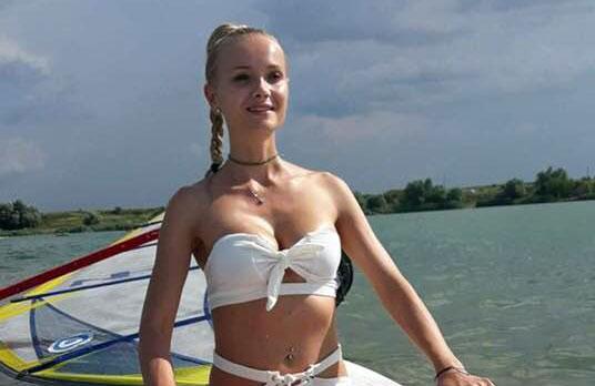 Macabru! Cum s-a pozat Oana Ioja înainte de a se sinucide! E fiica unui afacerist din România