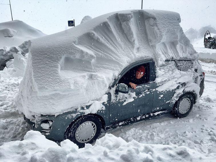 La ce oră începe să ningă în fiecare zonă din România. ANM a făcut acum anunțul oficial