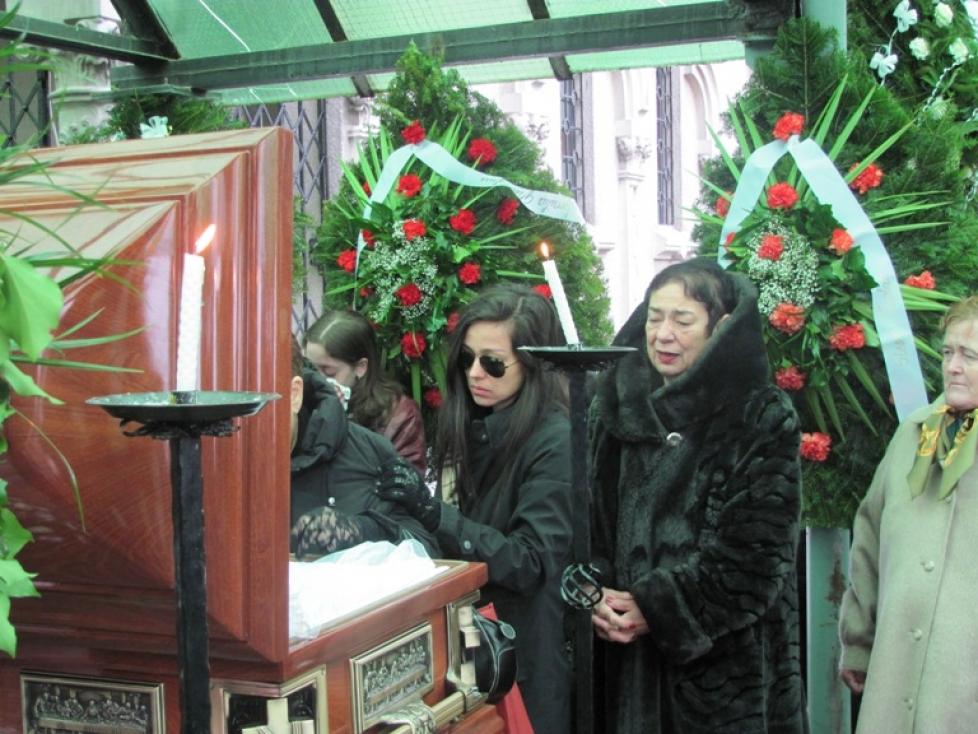 Sora Oliviei Steer a murit la doar 38 de ani. Doamne ferește! Ce s-a întâmplat cu Lavinia